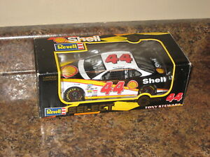 1998 Revell Select Tony Stewart Shell 1:24 Pontiac Grand Prix