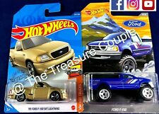 HOT WHEELS - Lot of 2 - FORD - F-150 SVT Lightning & Walmart exclusive Ford -G77