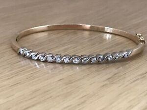 Fabulous 18ct white/yellow Gold 14 Diamond 0.50ct Gemstone Bangle Bracelet & Box