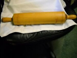VINTAGE LARGE FARMHOUSE WOODEN ROLLING PIN CARVED FROM 1 PIECE OF WOOD