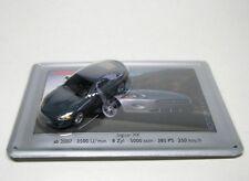 Jaguar XK (gris)