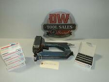 "BEA WM12 typ 156 Corrugated Fastening Tool (USED) + 1/4"" Fasteners"