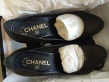 Authentic CHANEL Pumps - Black leather - CC logo