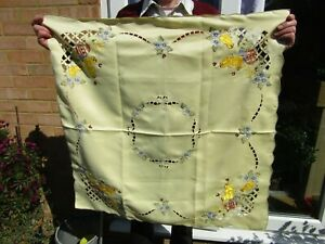 """Pretty Embroidered Easter Table-cloth chicks eggs flowers bees 33"""" x 33"""""""