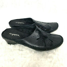 Easy Spirit Black Laser Cut Out Slip On Clogs SW Forever WM Leather 8W
