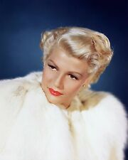 "RITA HAYWORTH IN ""THE LADY FROM SHANGHAI"" - 8X10 PUBLICITY PHOTO (NN-030)"