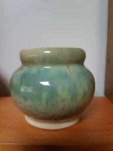 Early Crown Lynn NZ Trickle Glaze Vase Circa 1943-48
