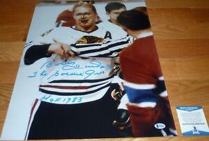 BECKETT-BAS BOBBY HULL BLOODY FACE CHICAGO BLACKHAWKS SIGNED 16X20 PHOTO S62028