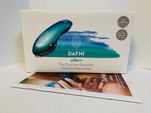 DAFNI Allure Cordless Ceramic Straightening Hair Brush - Dual Voltage