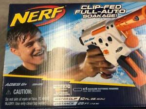 2010 Hasbro Nerf Super Soaker Thunderstorm Water Squirt Gun 28495 NEW SEALED