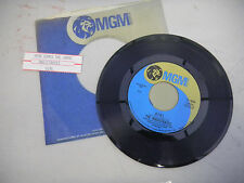MAGISTRATES here come the judge/ girl comes  MGM JUKEBOX STRIP   45