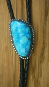 VINTAGE NAVAJO STERLING  LARGE KINGMAN TURQUOISE  BOLO TIE  BEAUTIFUL COLORS