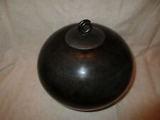 Magnificent-Art-Sculpture-Pottery-Round-Lid-Charcoal-Grey-Artist Signed-Mint