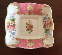Beautiful vintage Royal Albert 'lady Carlyle' Bone China Square Bon Bon Dish