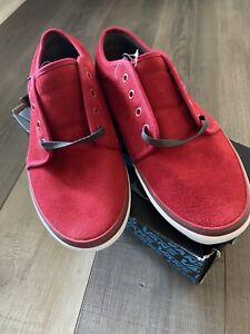 Men's Vans Red/Grey 106 Vulcanized Athletic Shoes