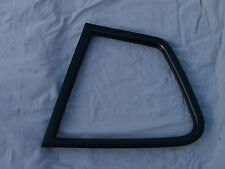 PORSCHE 924 944 REAR QUARTER 1/4 WINDOW RUBBER SEAL SPARE PARTS BREAKING