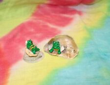 Set of 2 Florida Sea Shells and Frogs in Bathing Suits Souvenir Figurines