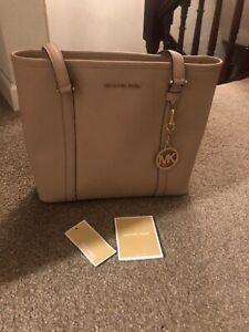 michael kors small tote handbag used