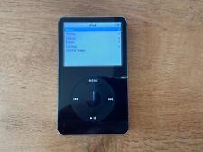 Apple iPod Clásico 30GB (MA146FB) 5th Generación Negro (Paquete incl. caso Hama)
