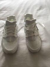 womens white Nike Air Hurache size 5.5