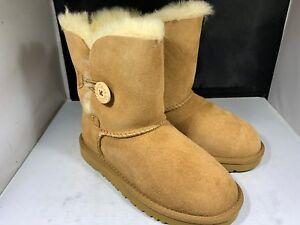 Ugg Australia Kids chestnut boots size 8  size 5991t ( Nb23)
