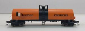 Atlas 1556-2 HO HCPX 'Hooker Chemicals' 17,300 Gal. Tank Car #1268 LN