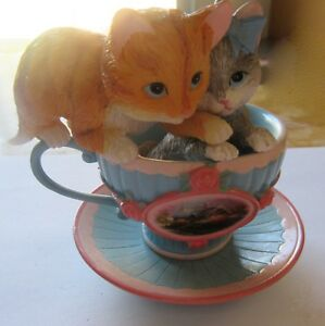 Thomas Kinkade Tea-rrific Kitties- Puff-Fect Together- blue tea cup- two cats