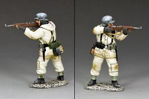 King & Country German Winter Rifleman Standing Firing BBG078 Battle of the Bulge