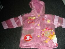 Toddler Girls Rain Coat/Jacket IN THE NIGHT GARDEN Upsy Daisy Pink Aged 6-12 mon