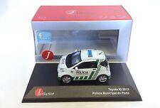 Toyota IQ 2013 - Policia Municipale do Porto  1:43 IXO MODELL AUTO DIECAST JC301