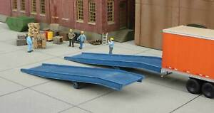 Walthers 933-4130 HO Loading Ramps Kit (Pack of 2)