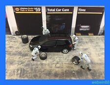 SEP 2018 VW Wolkswagen MAINTENANCE WORKER FIGURE SET 1:64 XCARTOYS