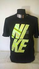 T-shirt uomo NIKE in cotone colore nero con scritta riflettente