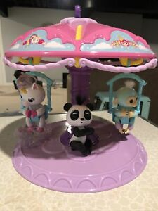 Fingerlings Twirl-A-Whirl Carousel Playset With Panda, Unicorn, Monkey Used
