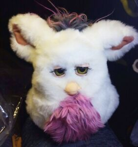 2005 Furby Passionfruit White Pink Grey  brownish green eyes Make an offer!