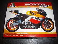 ITALERI HONDA RC211V  2005 WORLD CHAMPION MAX BIAGGI  1/22  REF 44002