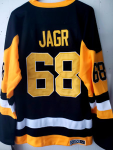 NWT Jaromir Jagr  Pittsburgh Penguins #68 CCM Throwback jersey size Large (50)