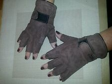 One pair of soft Brown goat skin leather driving gloves finger-less , Size M.