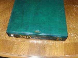 (5535) AUSTRALIA STAMP COLLECTION M & U IN SG AVON ALBUM + SLIPCASE