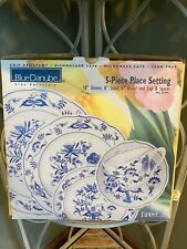 ~~BLUE DANUBE~Japan~5 Piece Place Setting~New in Box~Plate~Bowl~Cup~Onion~~