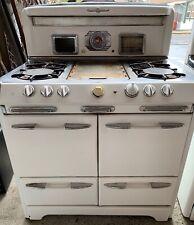Vintage O'Keefe and Merritt 4 burner gas range, good clean condition