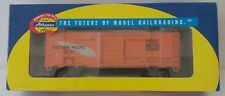 Athearn HO 40' Box Car Western Pacific 7010 RTR