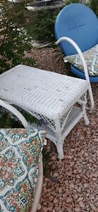 WHITE WICKER Rattan VTG End/Side Table Plant Stand Retro Boho outdoor patio indo