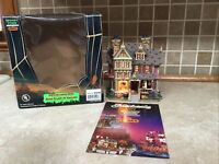 Lemax Spooky Town 2004 Halloween Party House Porcelain Lighted House  45005