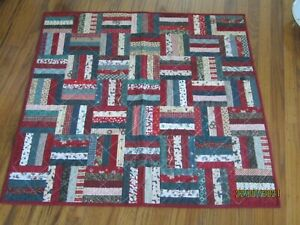 """Christmas Quilt/ Throw / wall hanger ~ table topper ~ handmade ~ 35 1/4"""" square"""