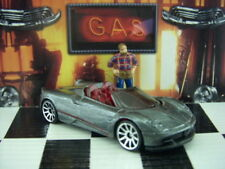'18 Hot Wheels 2017 Pagani Huayra Roadster LOOSE 1:64 Escala HW Exotics Serie
