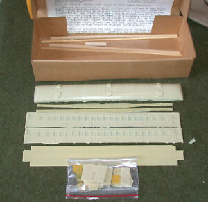 HO SCALE FUNARO & CAMERLENGO P-701 READING ARCH ROOF COACH  KIT