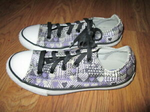 Girls CONVERSE ALL STAR canvas gym shoes sneakers sz 3 NWOT