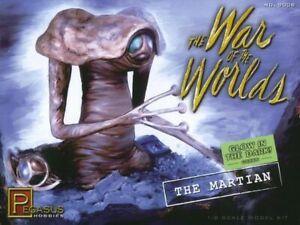 "Pegasus 9008 1953 War of the Worlds ""Martian"" Figure glow plastic model kit 1/8"