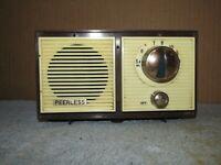 Vintage PEERLESS AM Tube Radio Made in Japan J954
